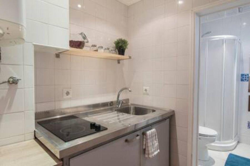 1-Bedroom apartment near Lisboa Santa Apolónia train station