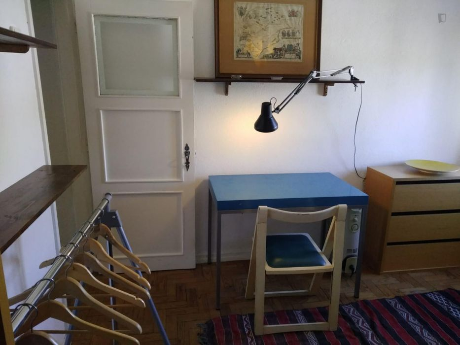 Cosy single bedroom close to ISEL