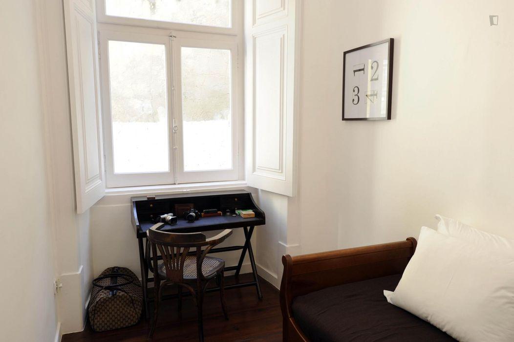 Elegant 4-bedroom apartment near Praça do Comércio