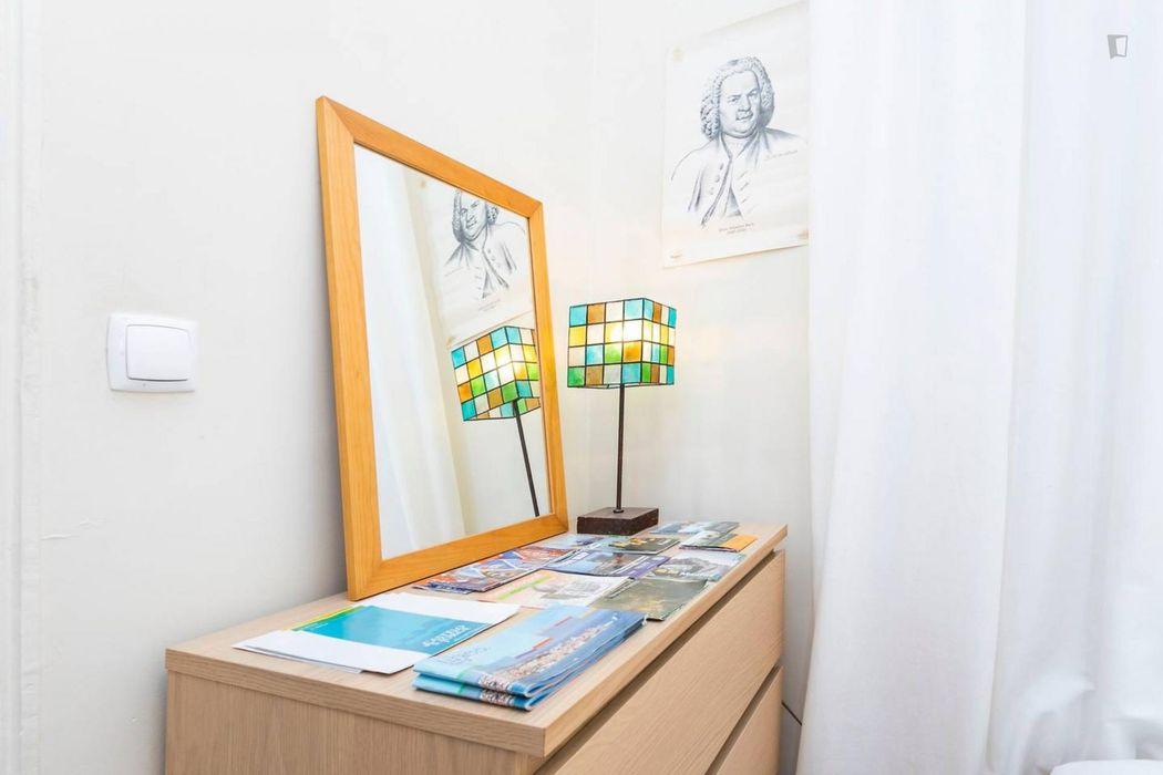 Magnificent 3 bedroom apartment close to Intendente metro