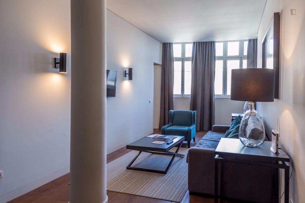 Excellent 1-bedroom apartment next to Cais do Sodré metro station