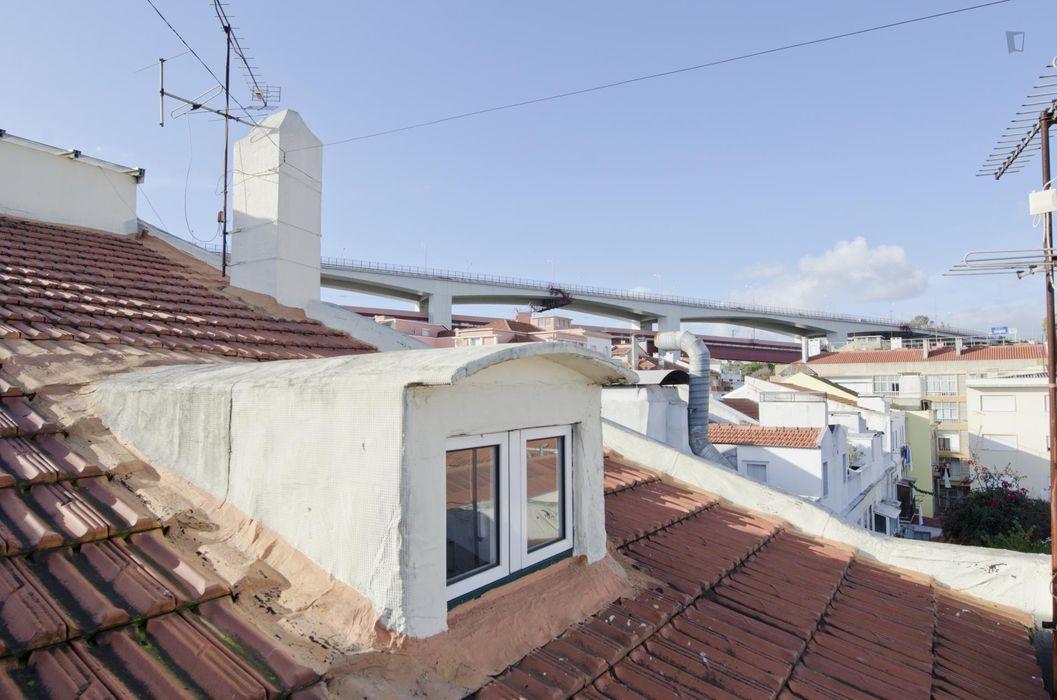 Fresh and welcoming single bedroom not far from Alcantara -Terra train station