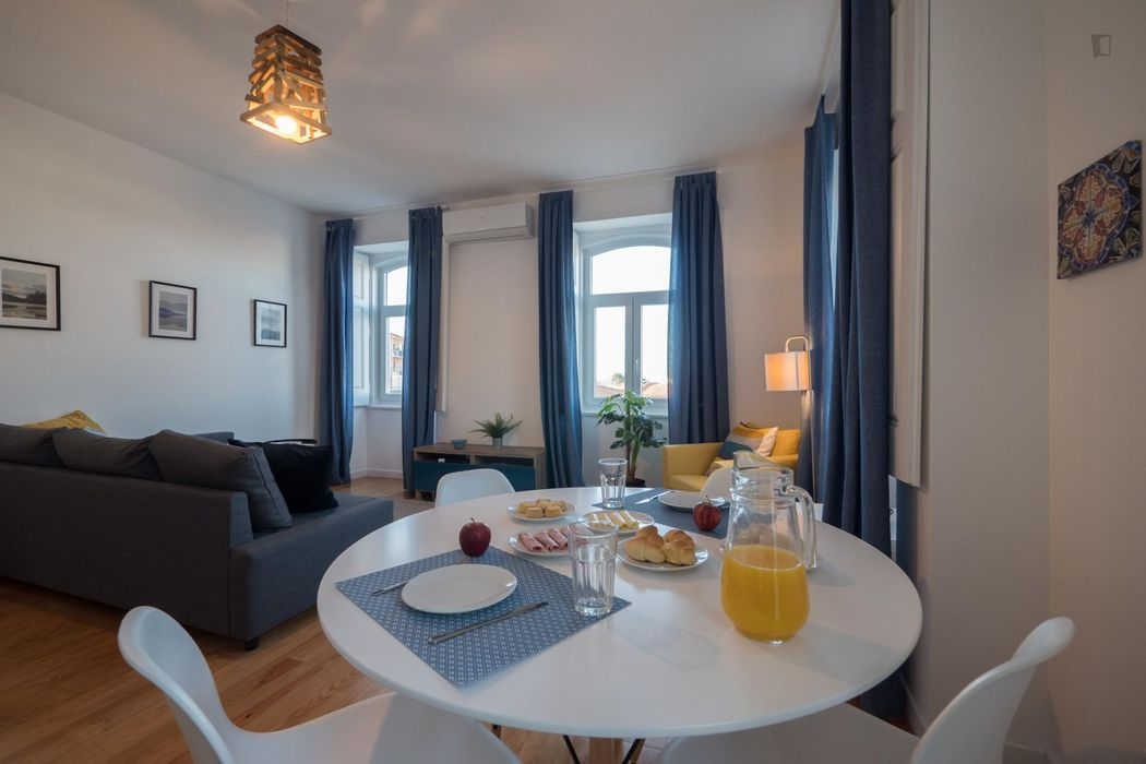 Well-equipped1 bedroom apartment near train station