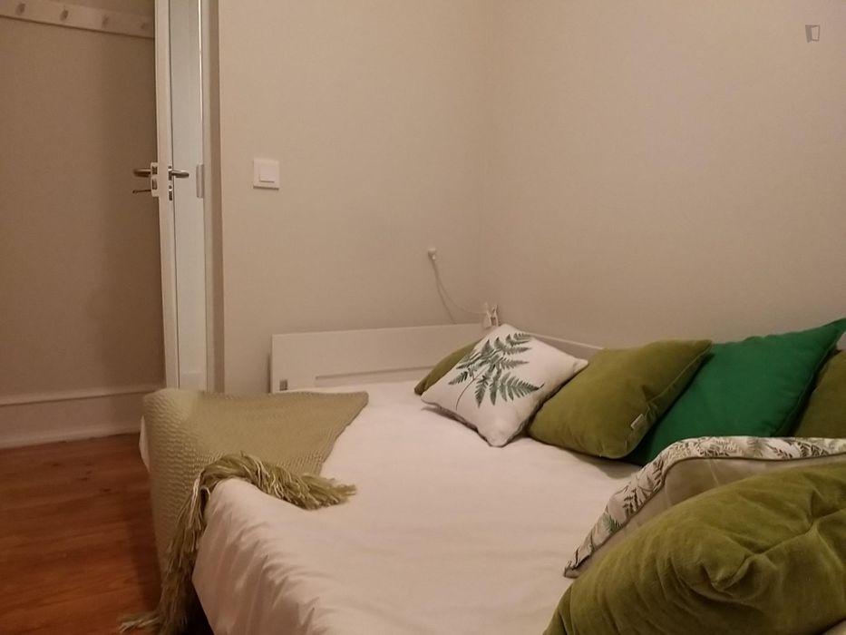 Modern 3-bedroom flat in Penha de França