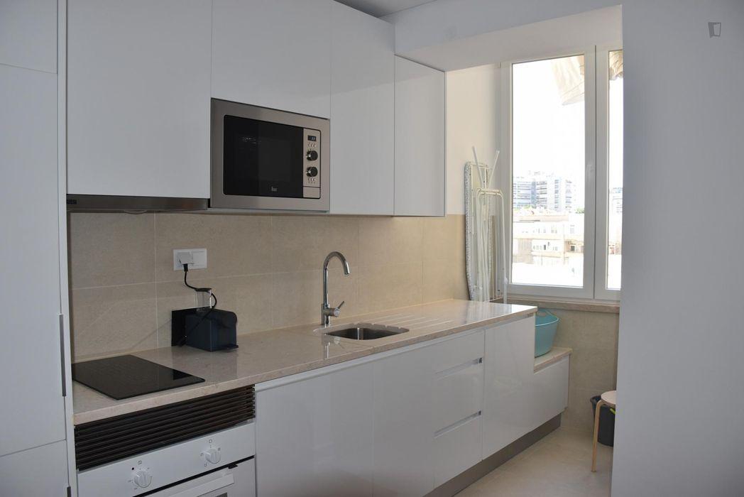Nice 1-Bedroom apartment in Roma-Areeiro