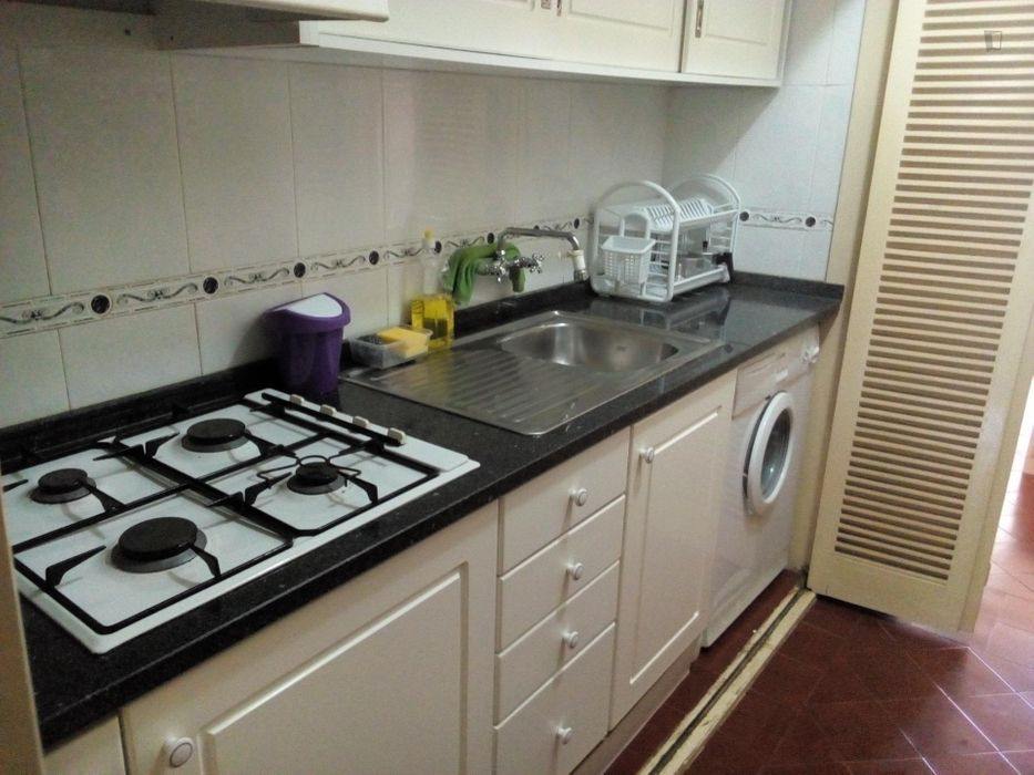 Fully equiped apartment close to the beach and train to Lisbon