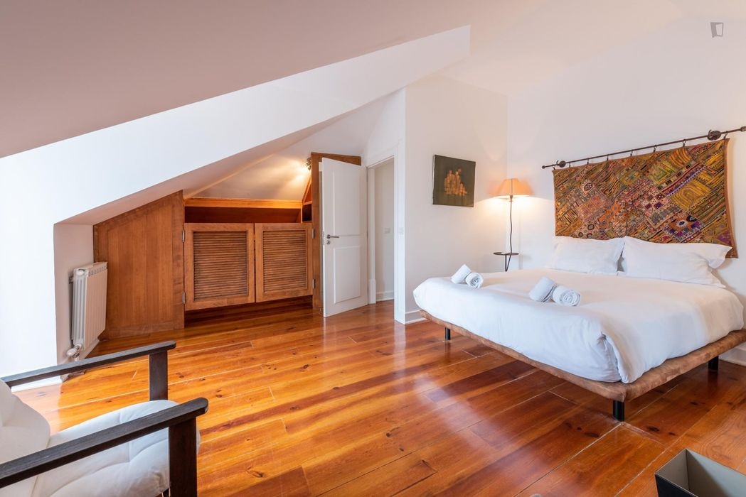 Luxurious 4-bedroom flat in Santos