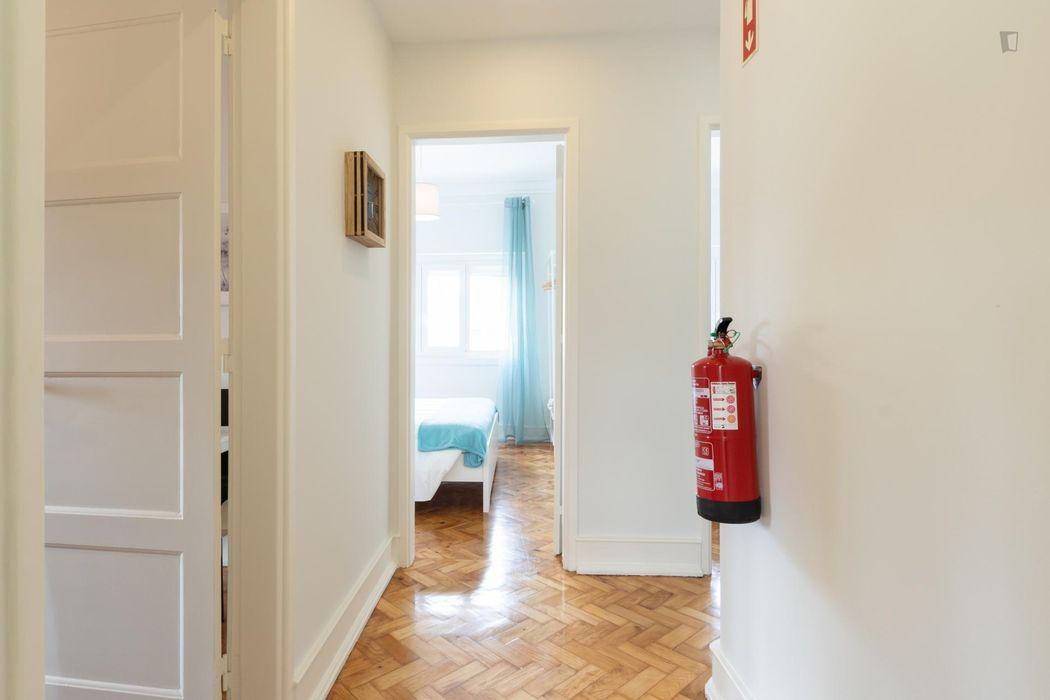 3-Bedroom apartment near metro Olivais