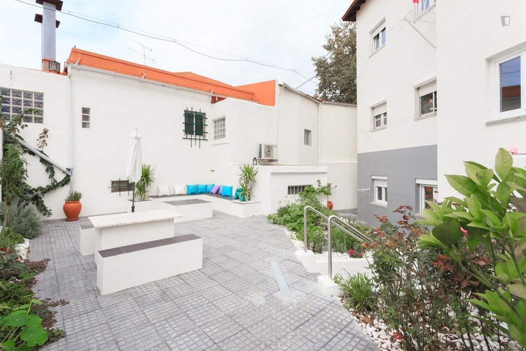 Nice 2-bedroom apartment near the airport