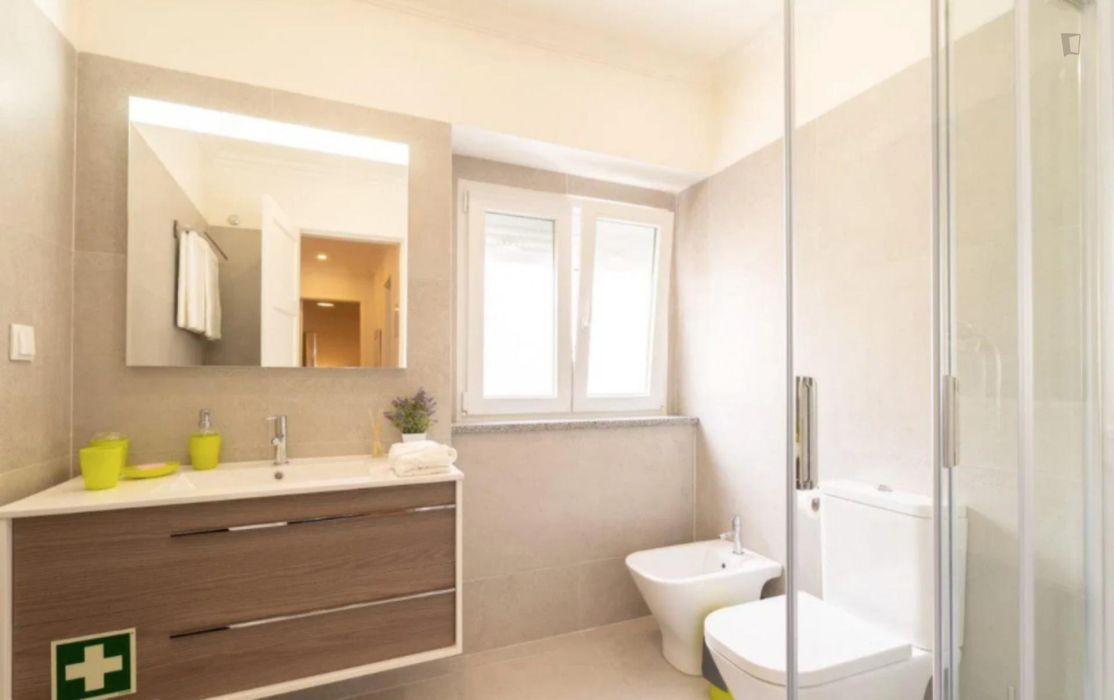 Elegant 2-bedroom flat in Olivais
