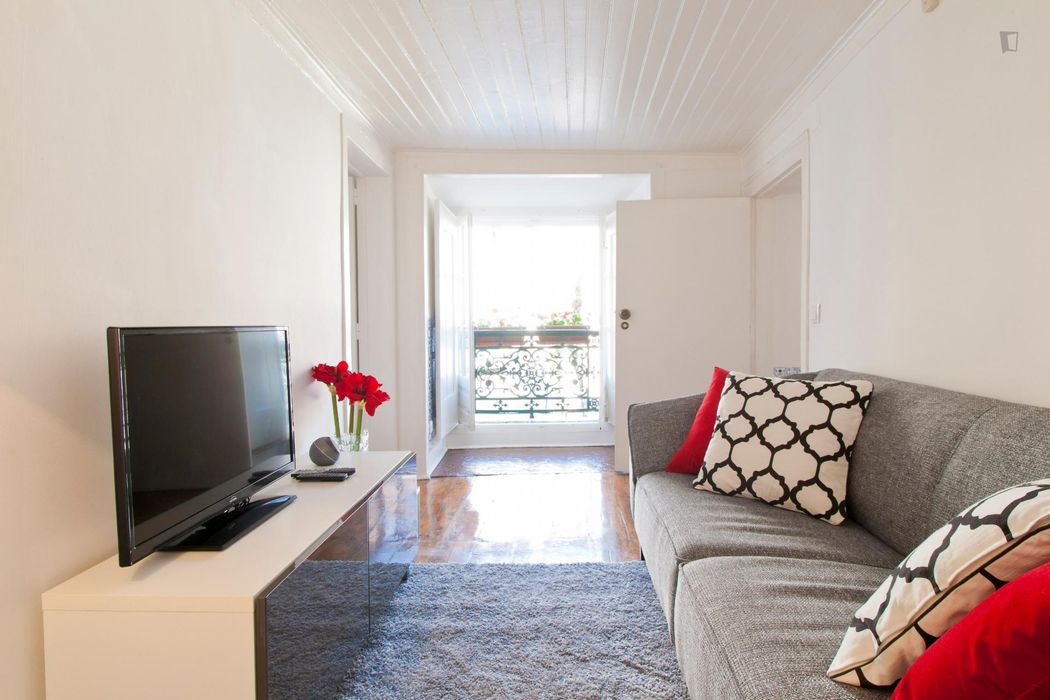 1-Bedroom apartment near Miradouro de Santa Luzia