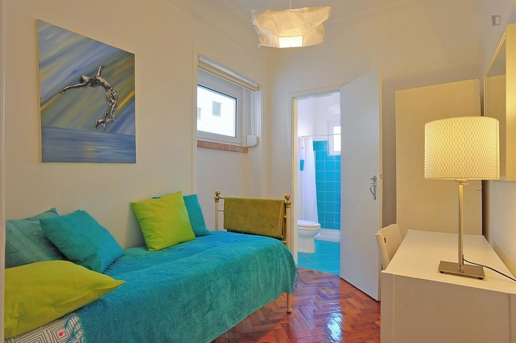 Really nice five bedroom apartment in Anjos