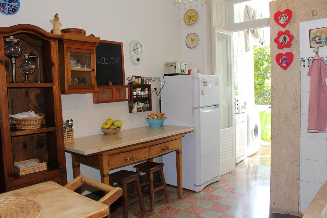 Well located double bedroom in a 4-bedroom flat, in Picoas