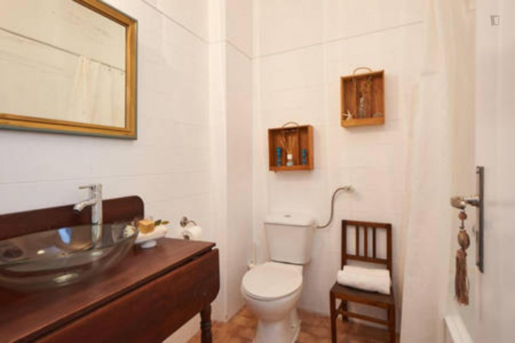 Turquoise apartment in Oeiras