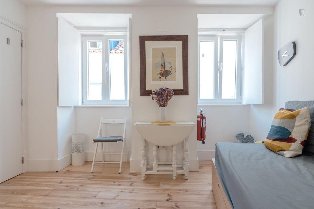 Lovely 1-bedroom apartment in Martim Moniz