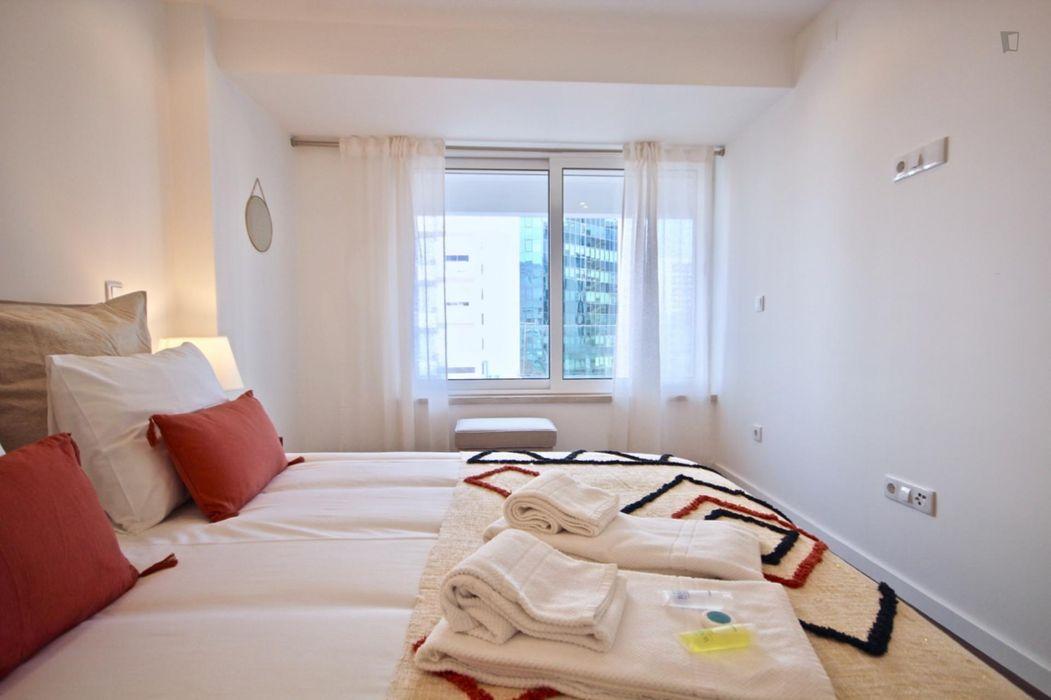Amazing 1-bedroom apartment nearJardim da Amnistia Internacional park