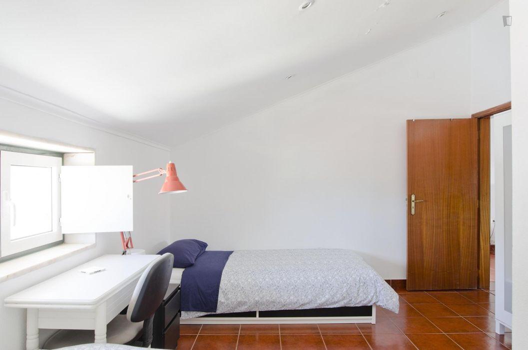 Cosy 1-bedroom apartment not far from Universidade Nova de Lisboa