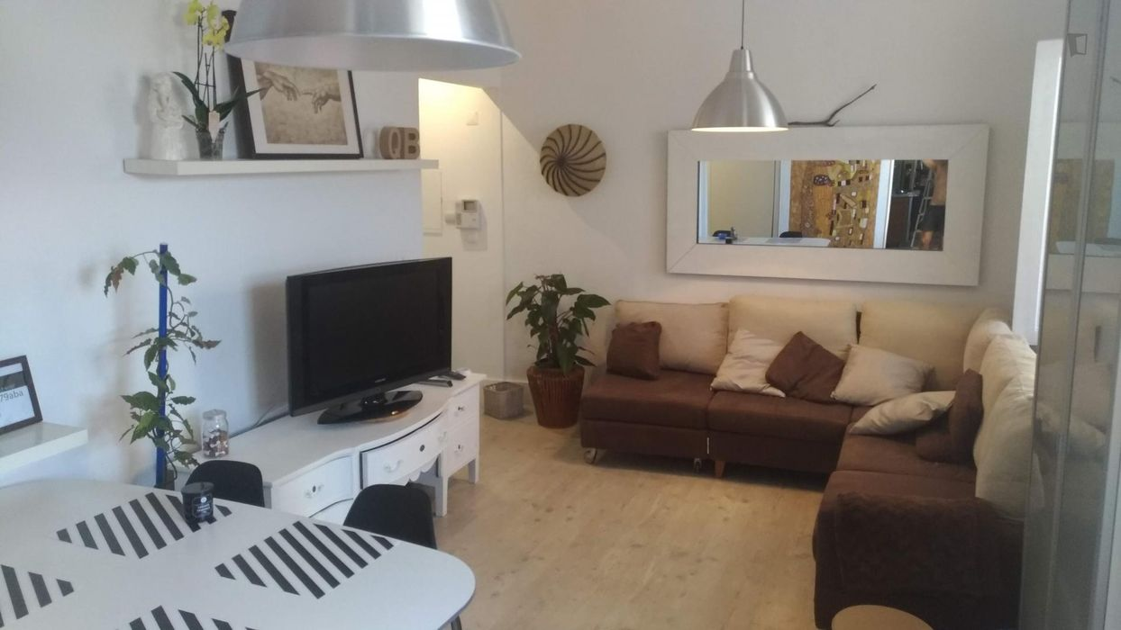 Charming Typical 2-bedroom apartment-House-