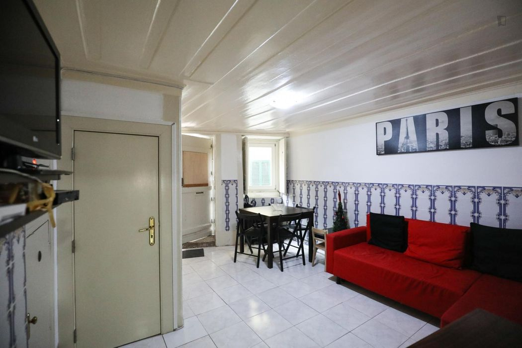 NIce double bedroom close to