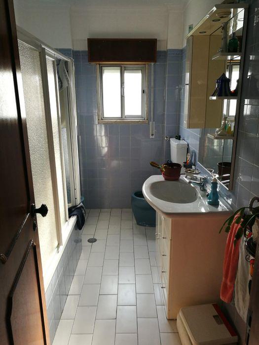 Alluring twin bedroom in Aroeira neighbourhood