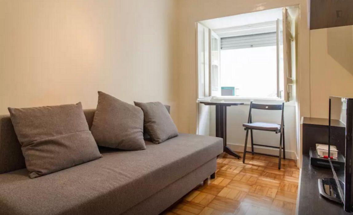Stylish 1-bedroom flat minutes away from UAL - Universidade Autónoma de Lisboa