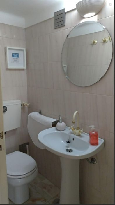 Elegant and comfy single bedroom close to Carcavelos