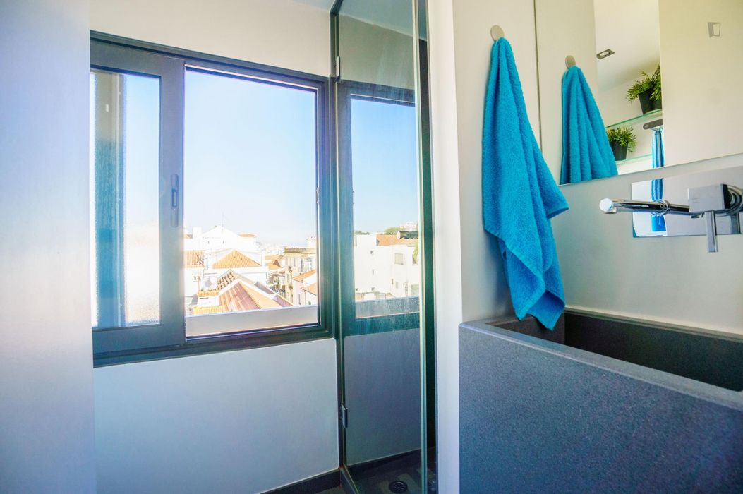 Modern and bright 1-bedroom flat, in Lapa