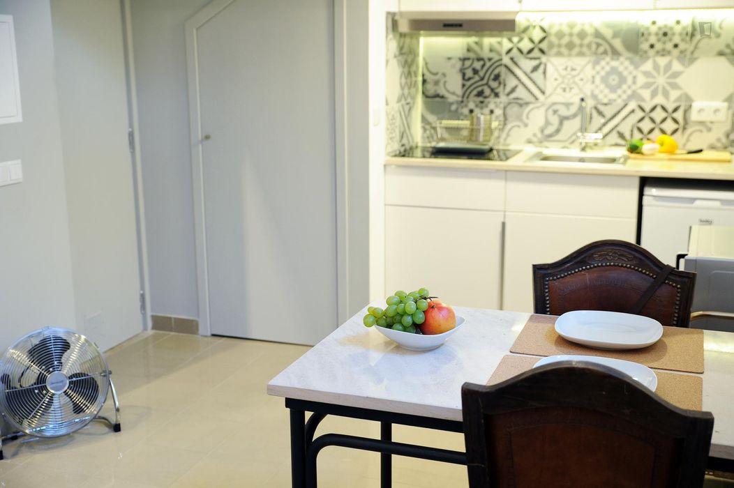 Super cool 1-bedroom flat next to UAL - Universidade Autónoma de Lisboa