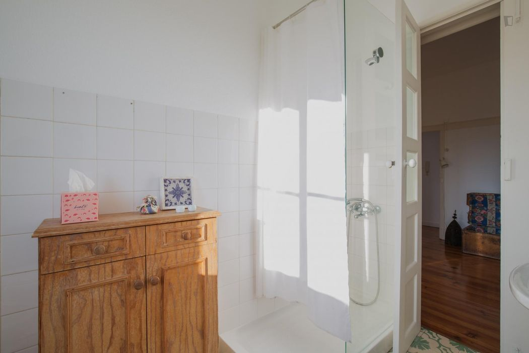 One Bedroom sunny apartment in Belém district - 10min to Cais do Sodre
