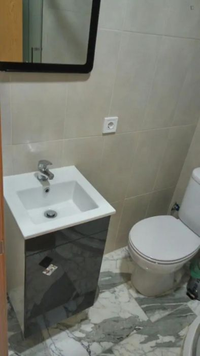 2Floor Apt with 1 Bedroom and Living room in Graça. Cleaning Included