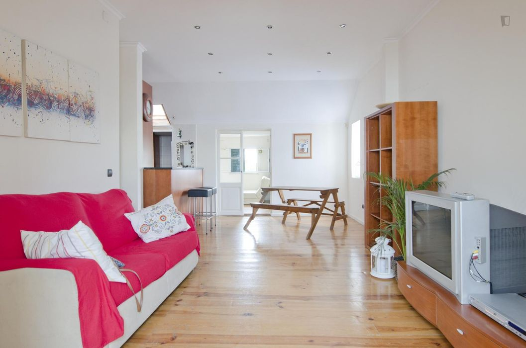 Modern 2-bedroom apartment in traditional Costa do Castelo