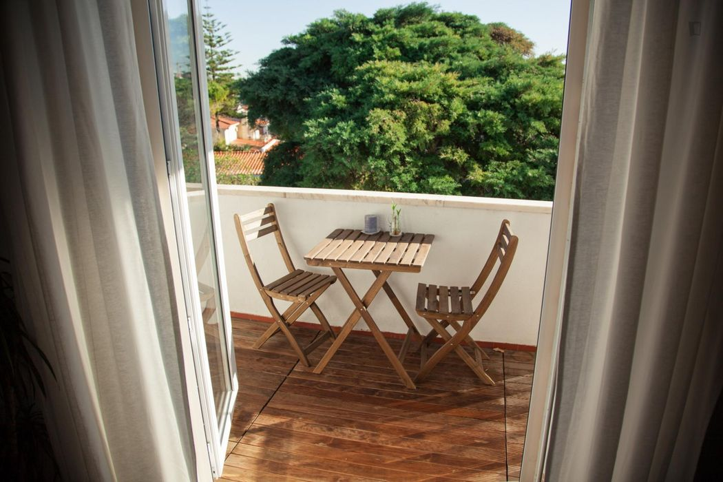 Spacious and quite studio in neighbourhood close to the beach