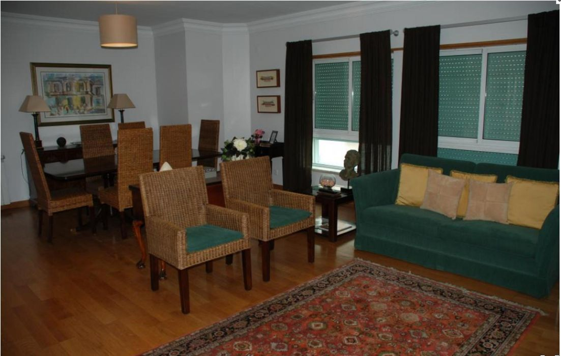 Pleasant 1-bedroom apartment near Telheiras metro station