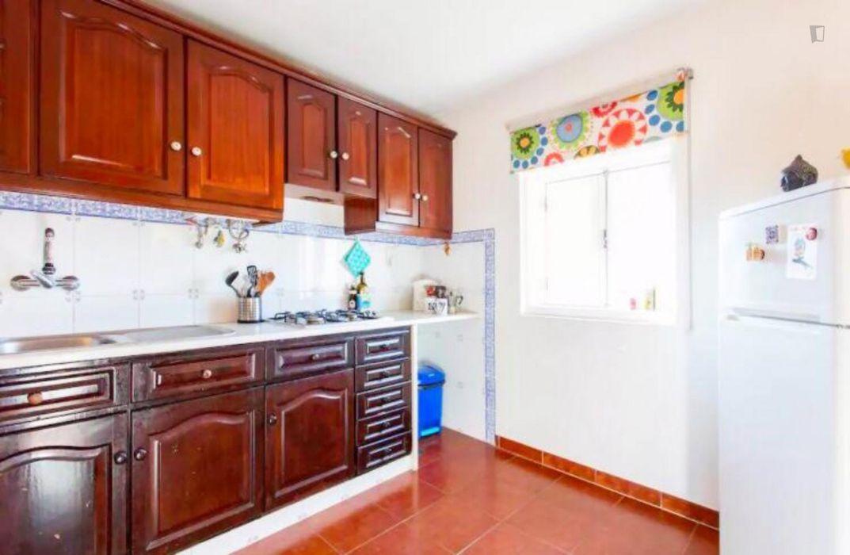 Great double bedroom in Alfama
