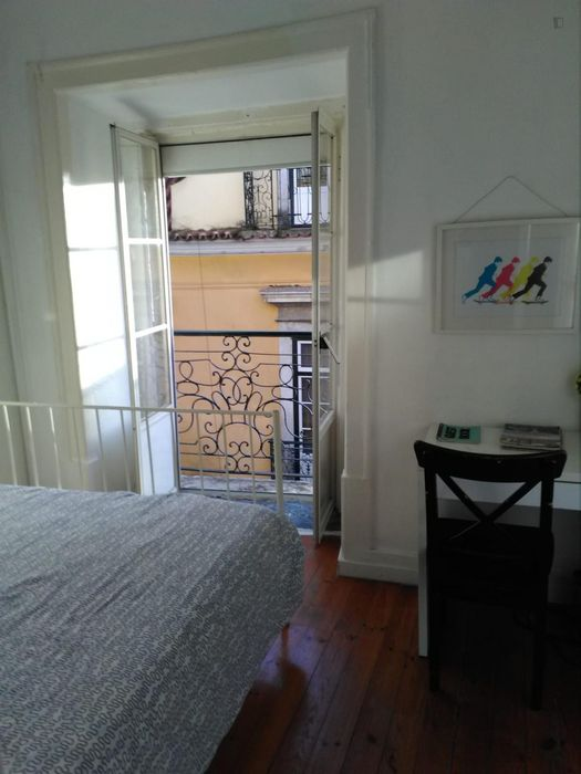2-Bedroom apartment in typical Bica