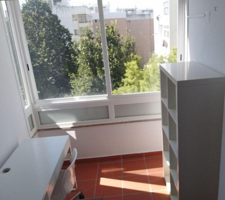 1-bedroom renovated apartment in Oeiras. T1 renovado em Oeiras