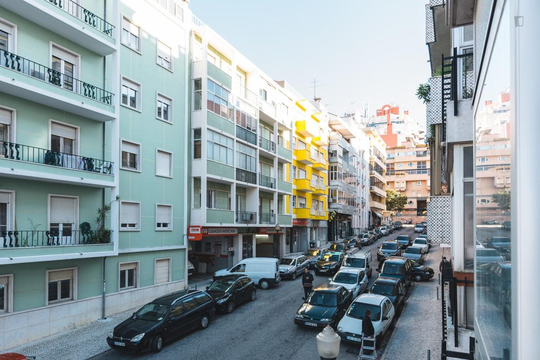 Beautiful 1-bedroom apartment in trendy Campo Pequeno