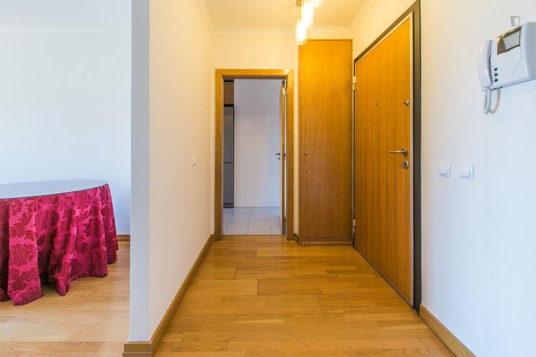 Pleasant single bedroom in Bela Vista