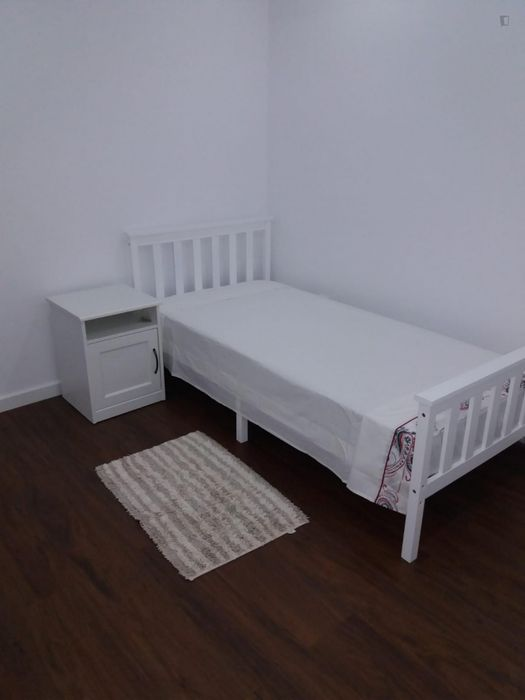 Single bedroom in 1-bedroom apartment