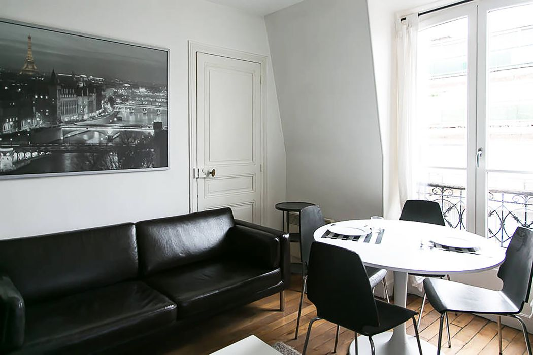 Comforts of Home - 33 rue des Volontaires