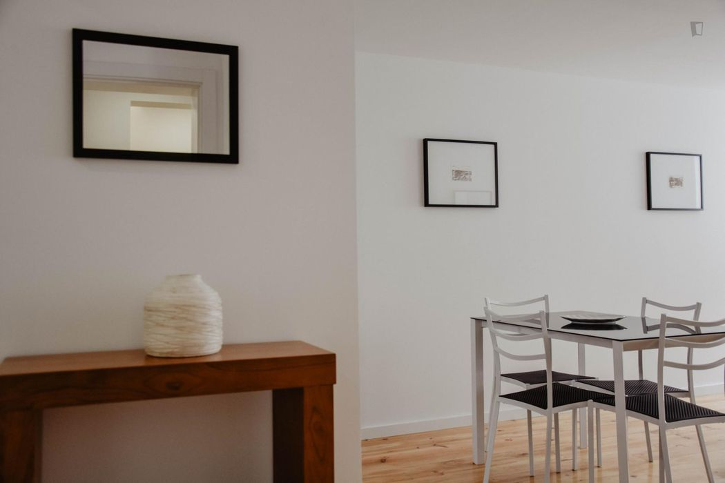 Fabulous 1-bedroom apartment nearby Coimbra train station