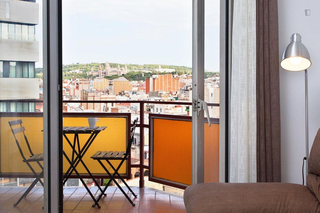 3-Bedroom apartment in Sants, Barcelona • Student ...