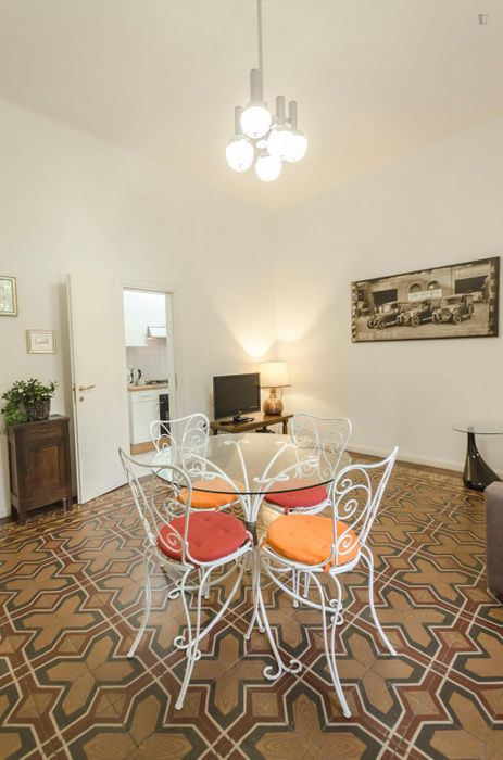 Comfy 1-bedroom apartment near Porta San Donato