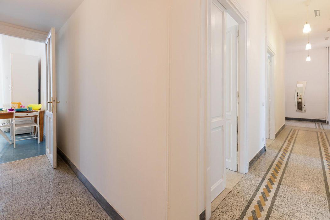 Bright double bedroom in Piaza Bologna neighbourhood