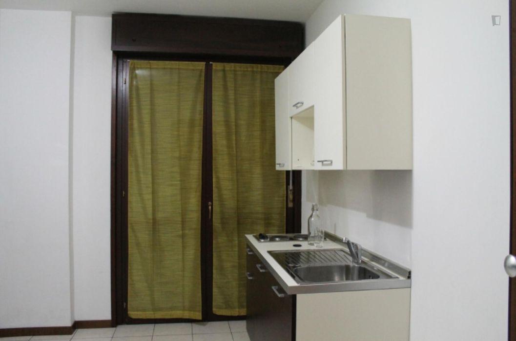 Single bedroom in Sesto San Giovanni