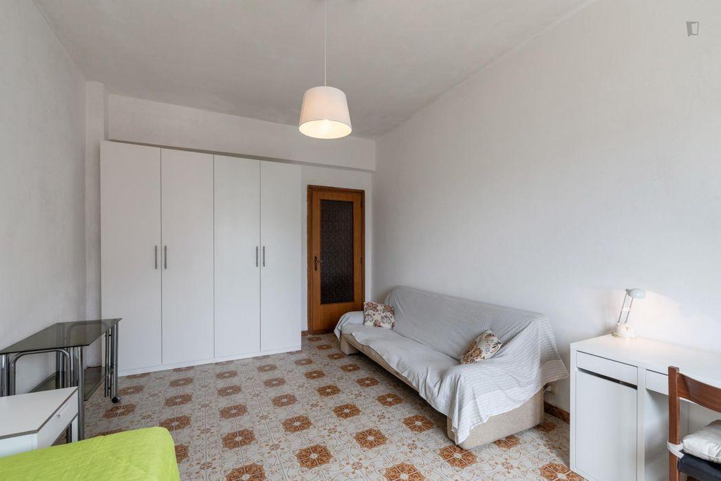Comfortable single bedroom near Parco del Torrione Prenestino