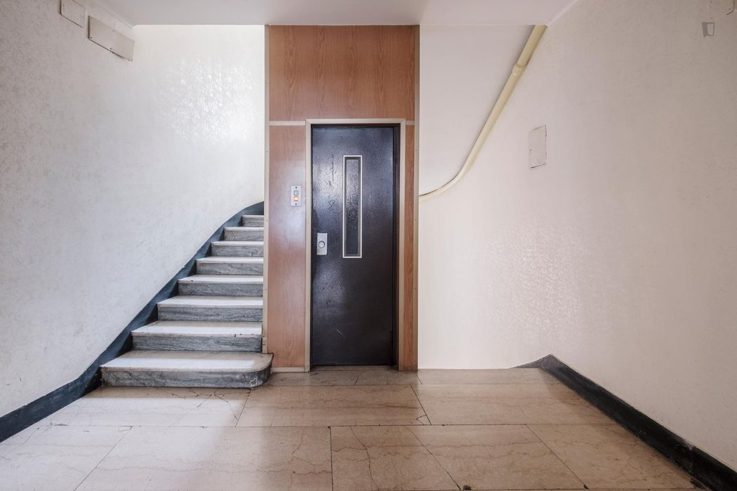 Single bedroom close to Libia metro station