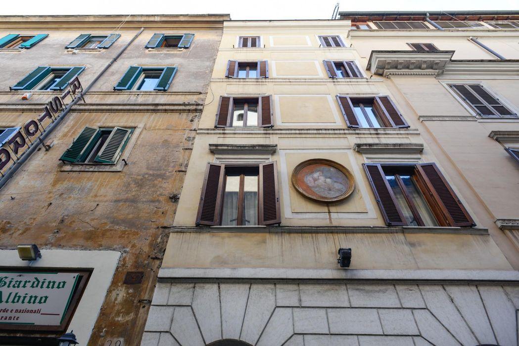 Nice studio apartment near Barberini metro station