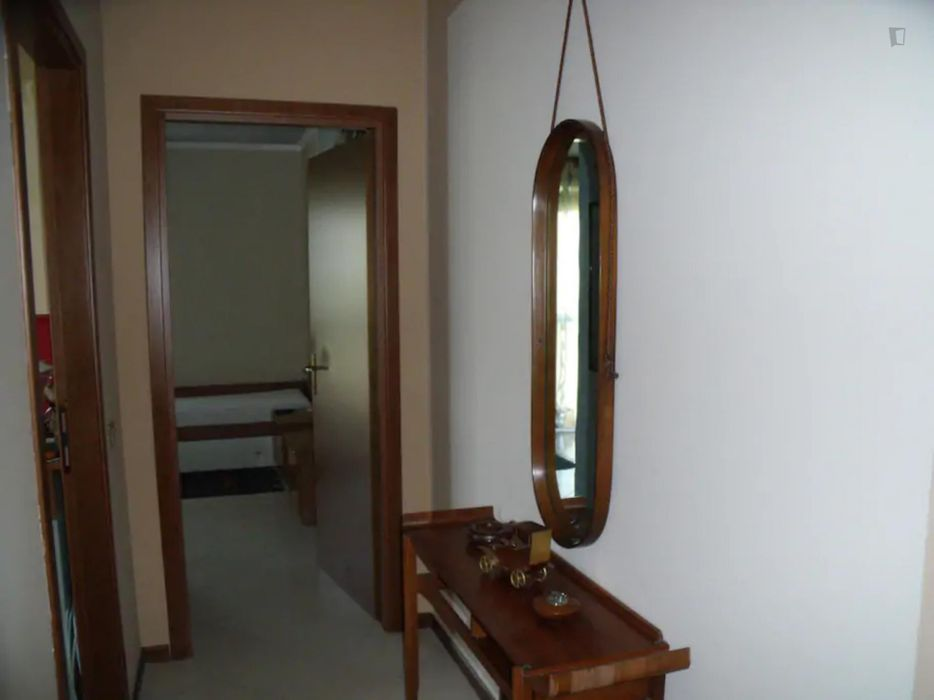 Bed in a twin bedroom close to Policlinico San Donato