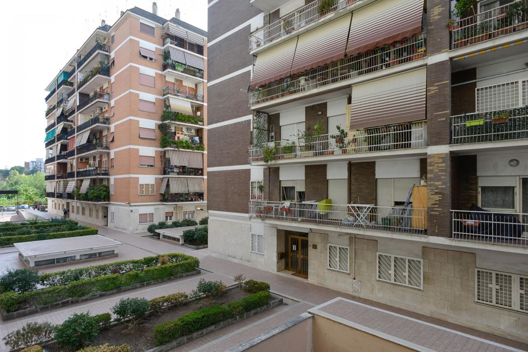 Charming double bedroom within reach of Conca d'Oro metro station